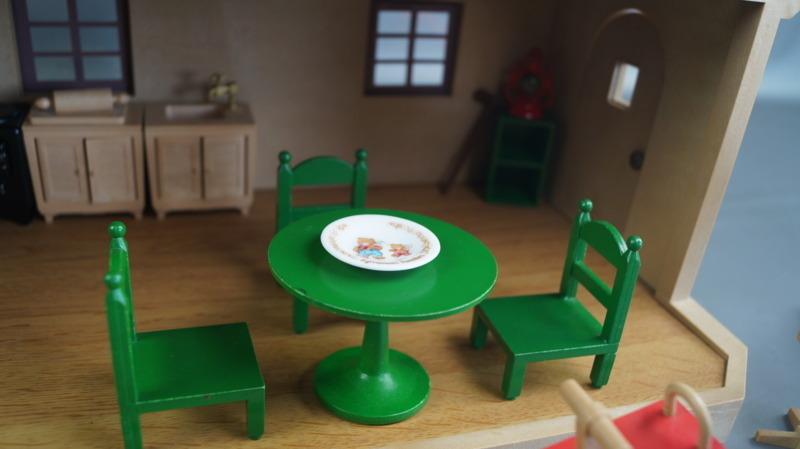bb16 当時物 エポック社 シルバニアファミリー ハウス 家 レトロ 玩具 箱 家具 人形 小物付き_画像5