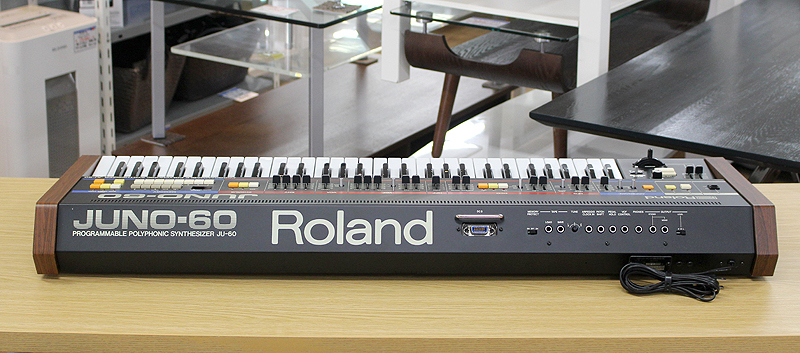 ★美品 Roland/ローランド Polyphonic Synthesizer JUNO-60 61鍵 アナログシンセサイザー キーボード ヴィンテージ ジュノ 80's_画像2