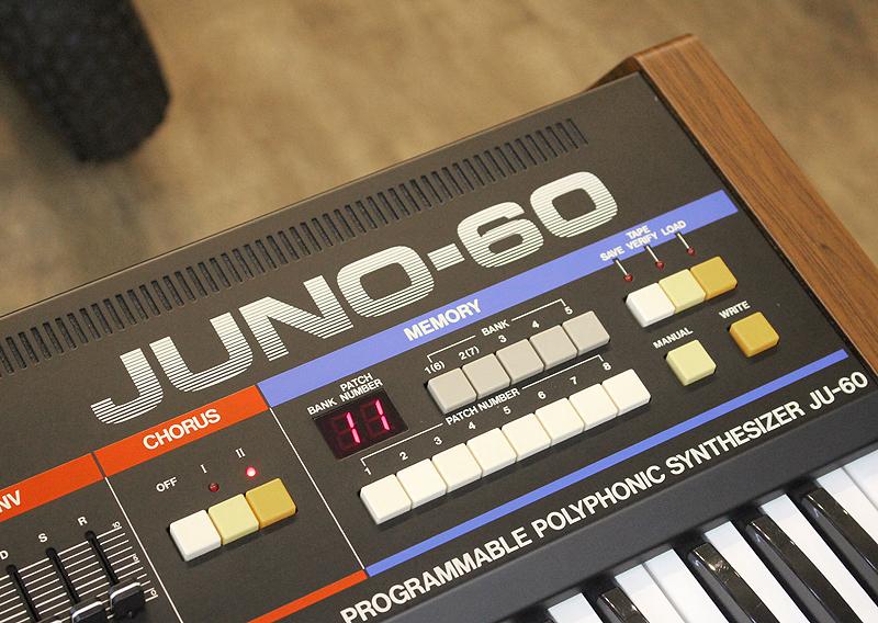 ★美品 Roland/ローランド Polyphonic Synthesizer JUNO-60 61鍵 アナログシンセサイザー キーボード ヴィンテージ ジュノ 80's_画像4