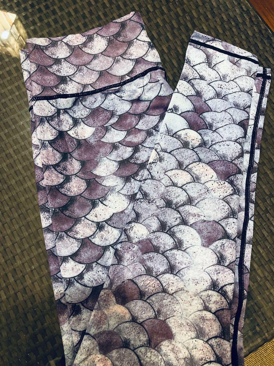 ヨガパンツ ヨガレギンス ヨガスパッツ マーメイド 鱗 鱗柄 マリン 紫 青 レギンス ヨガウェア スパッツ ズンバ フィットネス