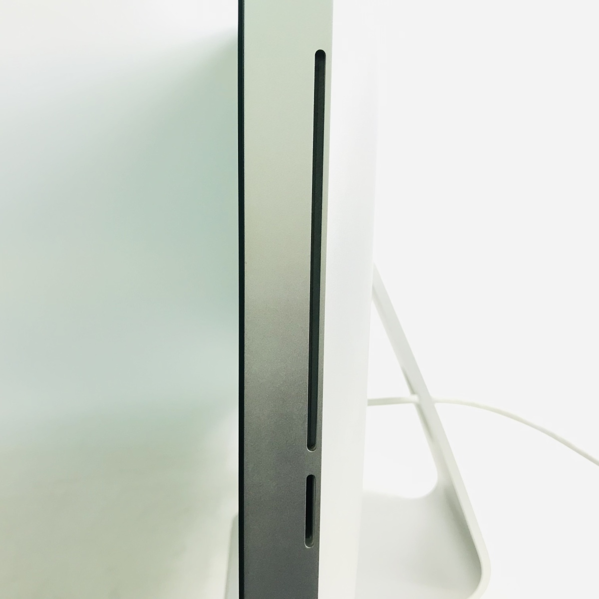 動作確認済み iMac 27インチ(Late 2009) Core 2 Duo 3.06GHz/4GB/1TB MB952J/A_画像3