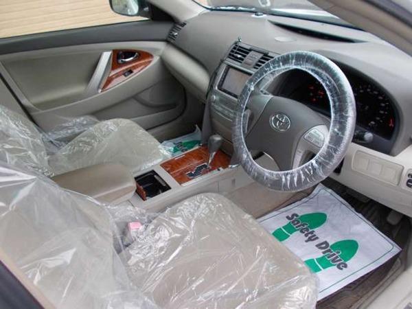 カムリ 2.4 G リミテッドエディション ナビ ETC Rカメラ 電動シート_落ち着いた配色の車内です。