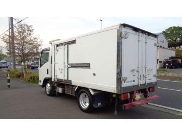 「エルフ 3.0 フルフラットロー ディーゼルターボ ー5C冷蔵庫冷凍庫車両総重量4875Bカメラ」の画像3