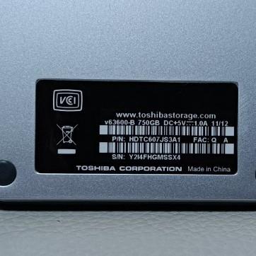 ジャンク TOSHIBA ポータブルハードディスク 750GB
