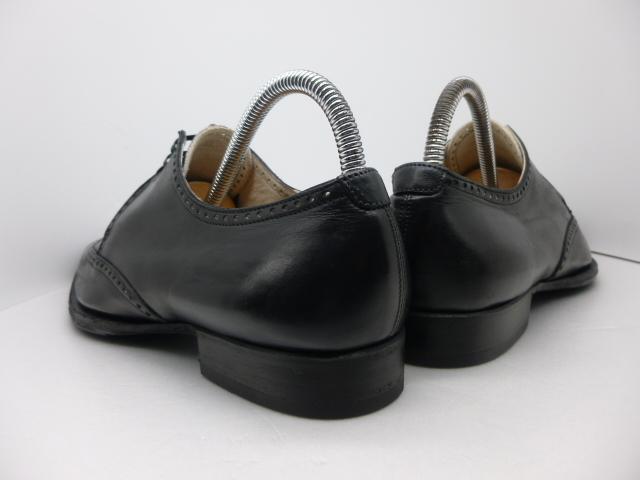 ◆本物保証◆エルメス■hermes■通気仕様■メンズ/ビジネス/ウイングチップ/ドレス/レザー/シューズ/靴/革靴/黒革/26.5~27cm★☆良品☆★_靴ベラ着用でヒールに型崩れもありません。