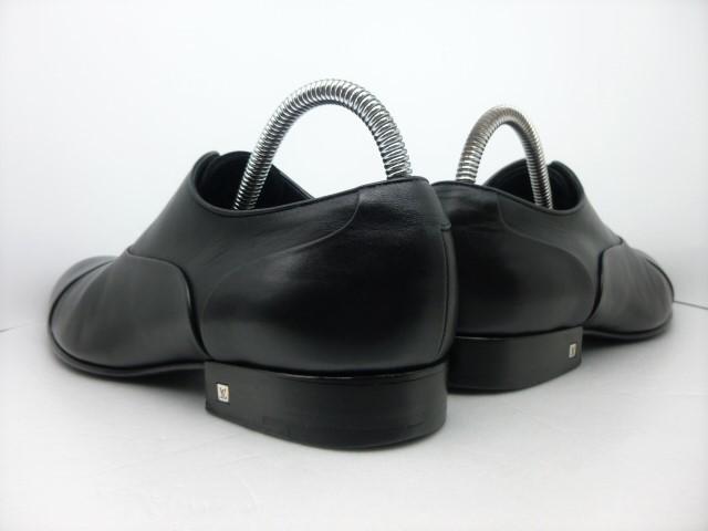 ★本物保証★ルイ・ヴィトン★メンズ/ビジネス/ドレス/ストレートチップ/シューズ/靴/革靴/くつ/黒/ブラック/26~26.5㎝☆★美品★☆_靴ベラ着用でヒールに型崩れもありません。