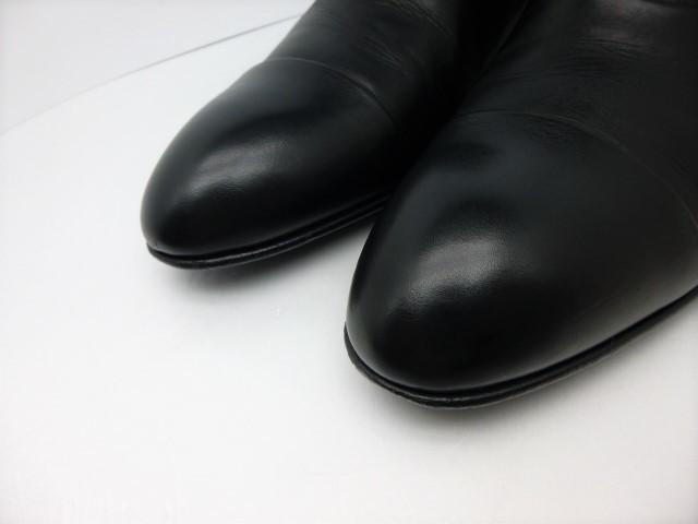 ★本物保証★ルイ・ヴィトン★メンズ/ビジネス/ドレス/ストレートチップ/シューズ/靴/革靴/くつ/黒/ブラック/26~26.5㎝☆★美品★☆_クラフトマンシップを感じる曲線美です。