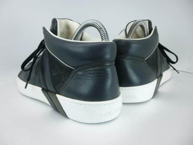 ◆本物保証◆ルイ・ヴィトン◆メンズ/ダミエ/ハイカット/スニーカー/レザー/シューズ/革靴/くつ/黒/ブラック/26~26.5㎝☆★美品★☆_靴ベラ着用でヒールに型崩れもありません。