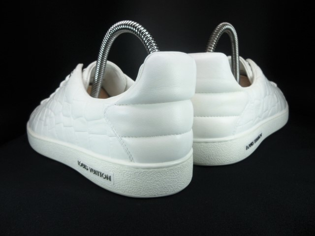 ◆本物保証◆ルイ・ヴィトン◆メンズ/クロコダイル/スニーカー/ドレス/シューズ/ホワイト/白革/レザー/くつ/革靴/26.5~27㎝☆★美品★☆_靴ベラ着用でヒールに型崩れもありません。