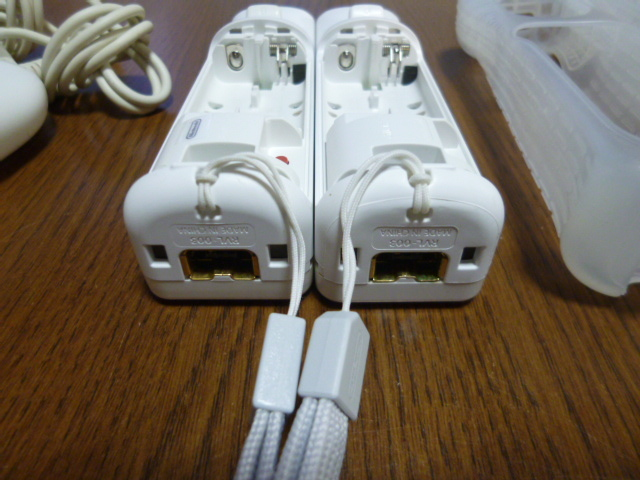 RSJN046【送料無料 動作確認済】Wii リモコン ヌンチャク ジャケット ストラップ  2個セット ホワイト 白 カバー