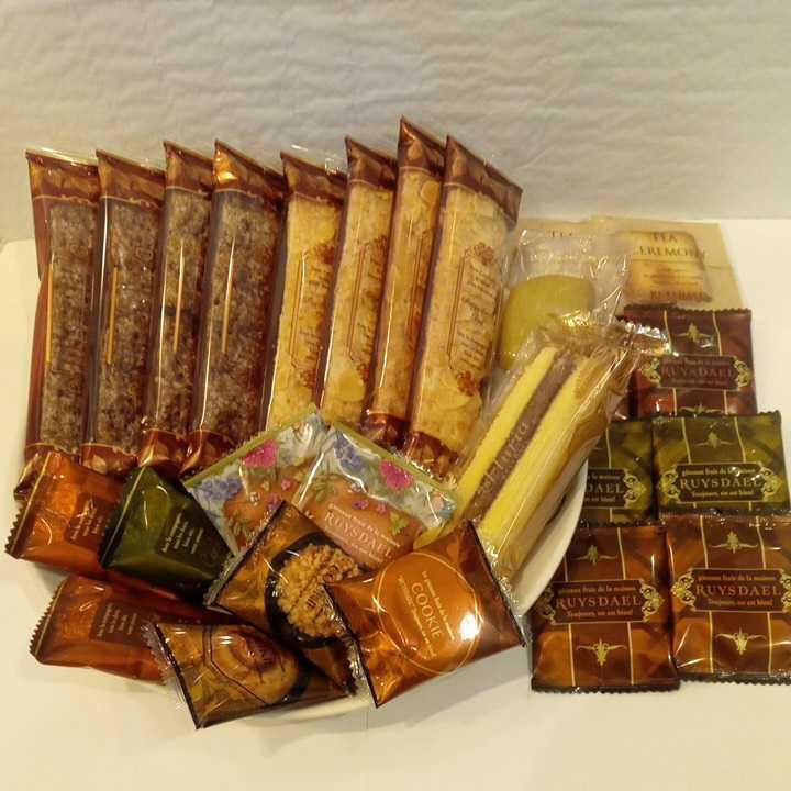 ロイスダールセット アウトレットラング・ド・シャ リーフパイ お菓子詰め合わせ_画像1