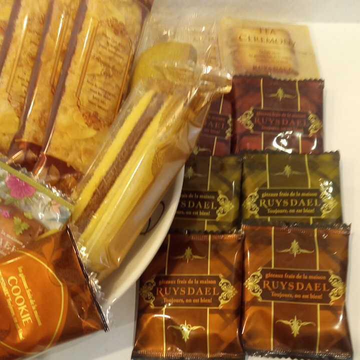 ロイスダールセット アウトレットラング・ド・シャ リーフパイ お菓子詰め合わせ_画像4
