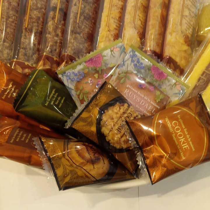 ロイスダールセット アウトレットラング・ド・シャ リーフパイ お菓子詰め合わせ_画像3