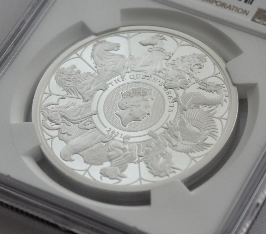 2021 イギリス クイーンズビースト コンプリーター 2ポンド 銀貨 NGC PF70UC 最高鑑定品!!_画像3