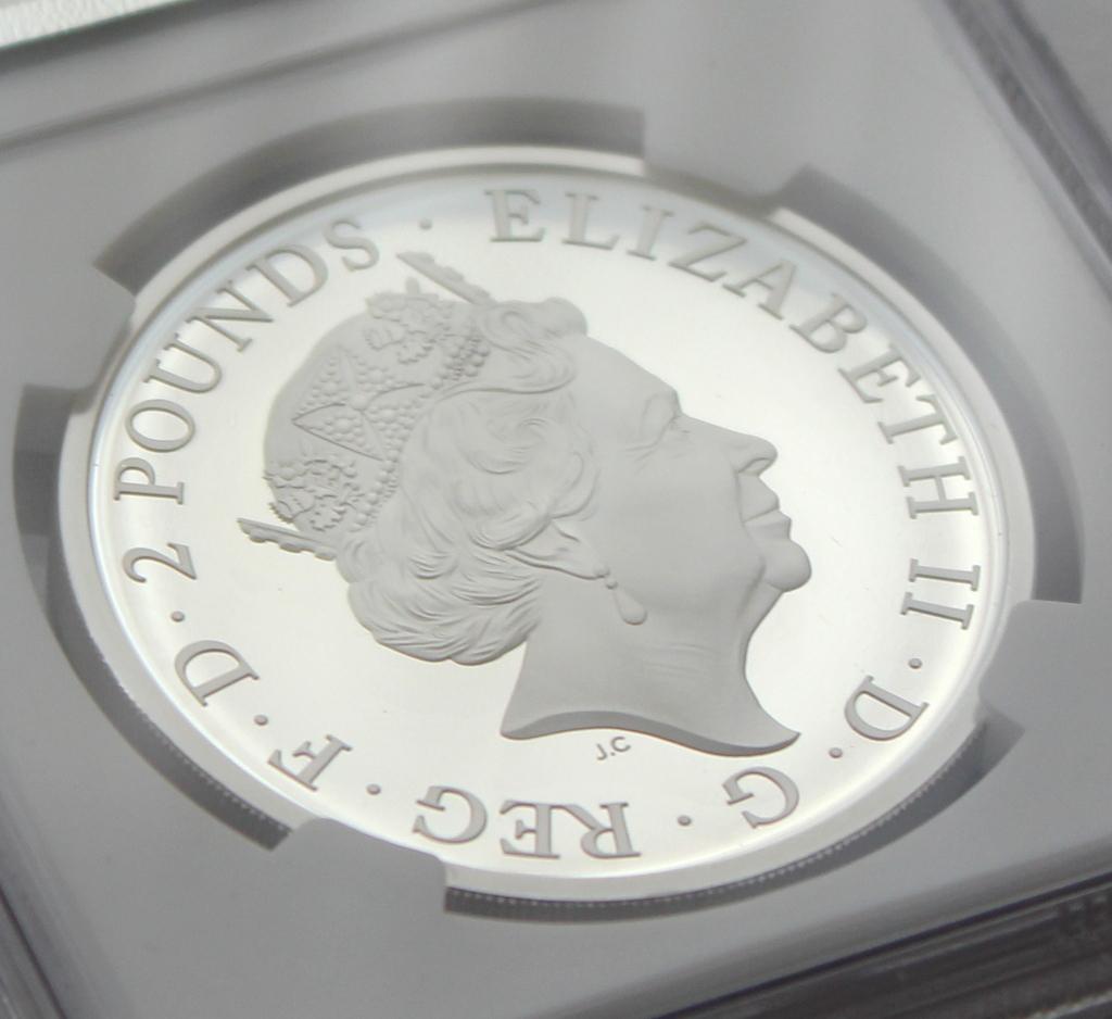 2021 イギリス クイーンズビースト コンプリーター 2ポンド 銀貨 NGC PF70UC 最高鑑定品!!_画像7