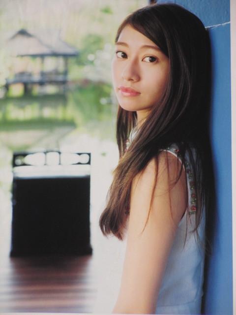 初版第一刷 乃木坂46 桜井玲香 ファースト写真集「 自由ということ」 帯付き 生写真付き