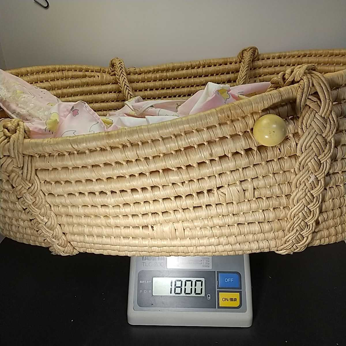 9671 ベビークーハン ゆりかご 赤ちゃんキャリーベッド バスケット ナチュラル天然素材 お昼寝 持運び籠 昭和レトロ 83×53×24cm 同梱NG_画像7