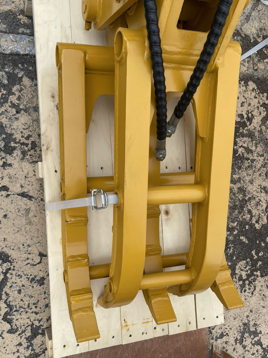 「★オートエース建機★油圧式フォーク/掴み/グラッブル/ピン45mmの全メーカーに適合。4トン~5トン用、重量170kg」の画像3