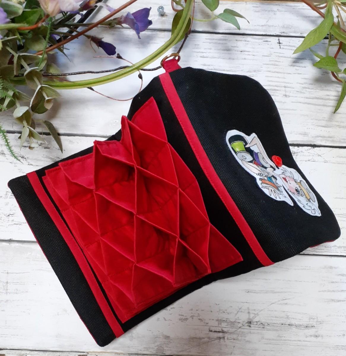 ロラライハリスのジャバラカードケース7/赤 リバティ ステラルー ラミネート マチ ハンドメイド 移動ポケット ダッフィ