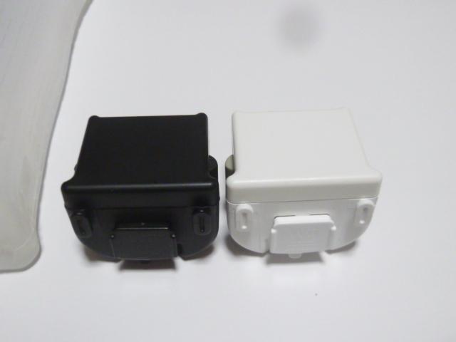 M014《送料無料 即日発送》Wii モーションプラス ジャケット 白 黒 ホワイト ブラック(分解洗浄 動作確認済)リモコンカバー