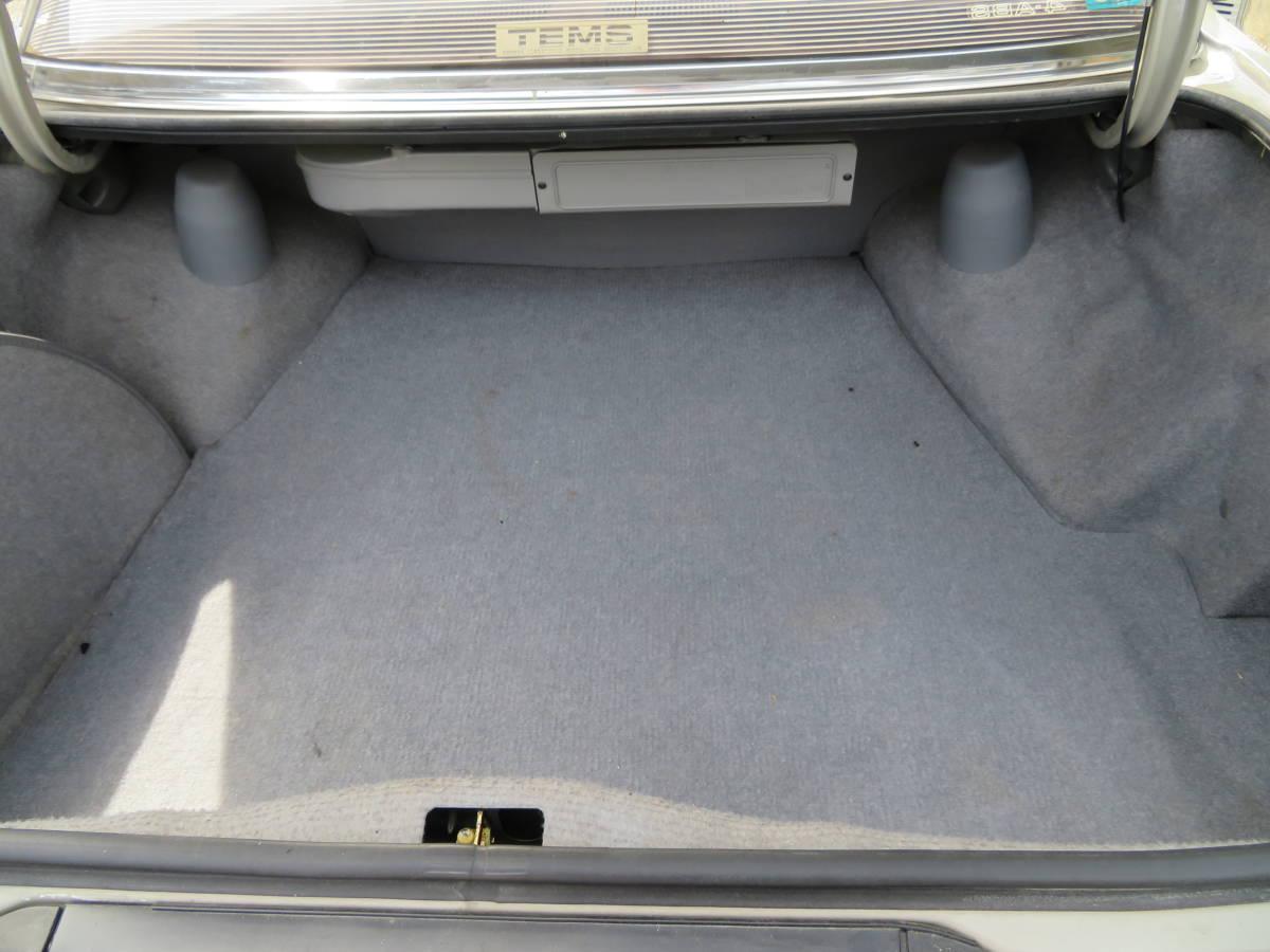 トヨタ クレスタ スーパールーセント ツインカム 24 1G A/T 昭和62年 60243㎞ ワンオーナー車 旧車_トランク内部綺麗で純正トランクマット付属