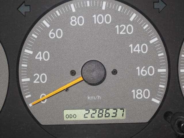 【札幌発/電話優先】平成14年 グランドハイエース キャンピング 4WD/エンスタ/Bカメラ/ETC@車選びドットコム_画像の続きは「車両情報」からチェック