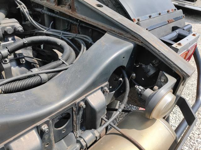 「グラプロ トラクタヘッド 450PS 第五輪荷重11.3t 7速ミッション ハイルーフ マフラー再生装置無し☆@車選びドットコム」の画像3