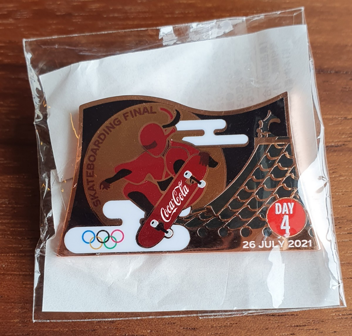 東京オリンピック コカコーラ 4日目 デイピン day4 ピンバッジ