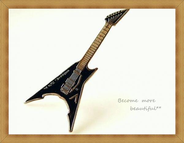 ★アルフィー THE ALFEE★高見沢さんの黒ギターピンバッジ★35