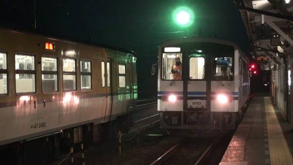 三江線422D 車窓 三次→江津 (字幕無/有BD-R DL1枚)_早朝の三次駅に入線