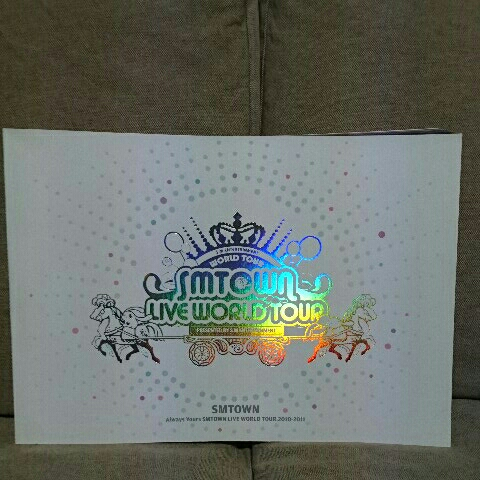 SMTOWN LIVE WORLD TOUR PHOTOBOOK ライブグッズの画像