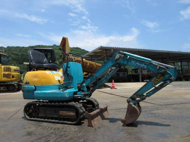 「ミニ油圧ショベル(ミニユンボ) クボタ K-005-3 2011年製 1563h ブレード付」の画像3