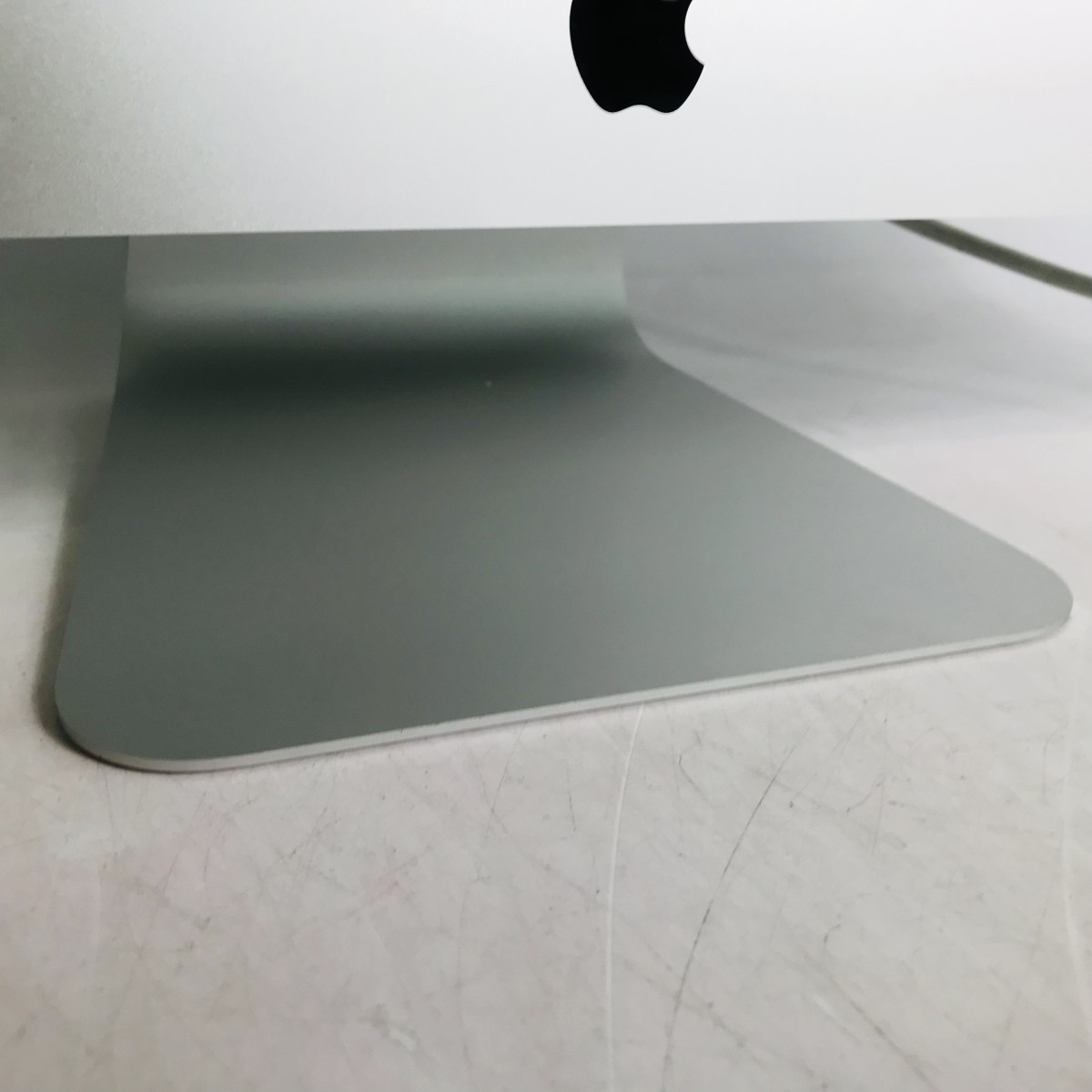 ジャンク iMac Retina 5Kディスプレイモデル 27インチ(Early2019) Core i9 3.6GHz/32GB/FD 2TB MRR12J/A_画像2