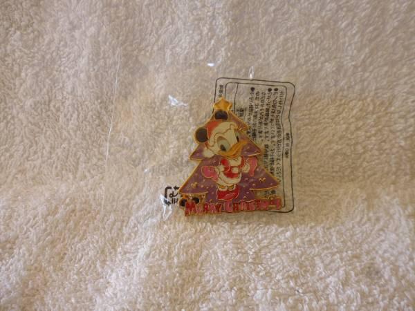 東京ディズニーシー★クリスマス ピンバッチ デイジー 非売品 ディズニーグッズの画像