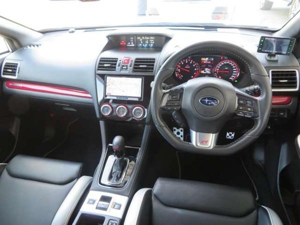 「WRX S4 2.0 tS 4WD 限定車 ワンオーナー SDナビTV」の画像3