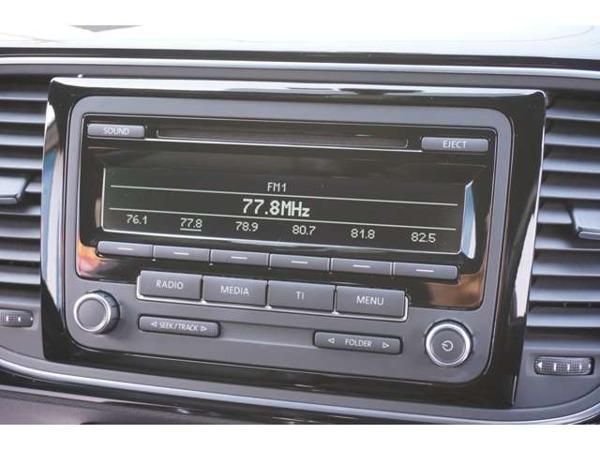 「ザ・ビートル デザイン レザー パッケージ 黒革シート&ヒーター純正オーディオETC」の画像3