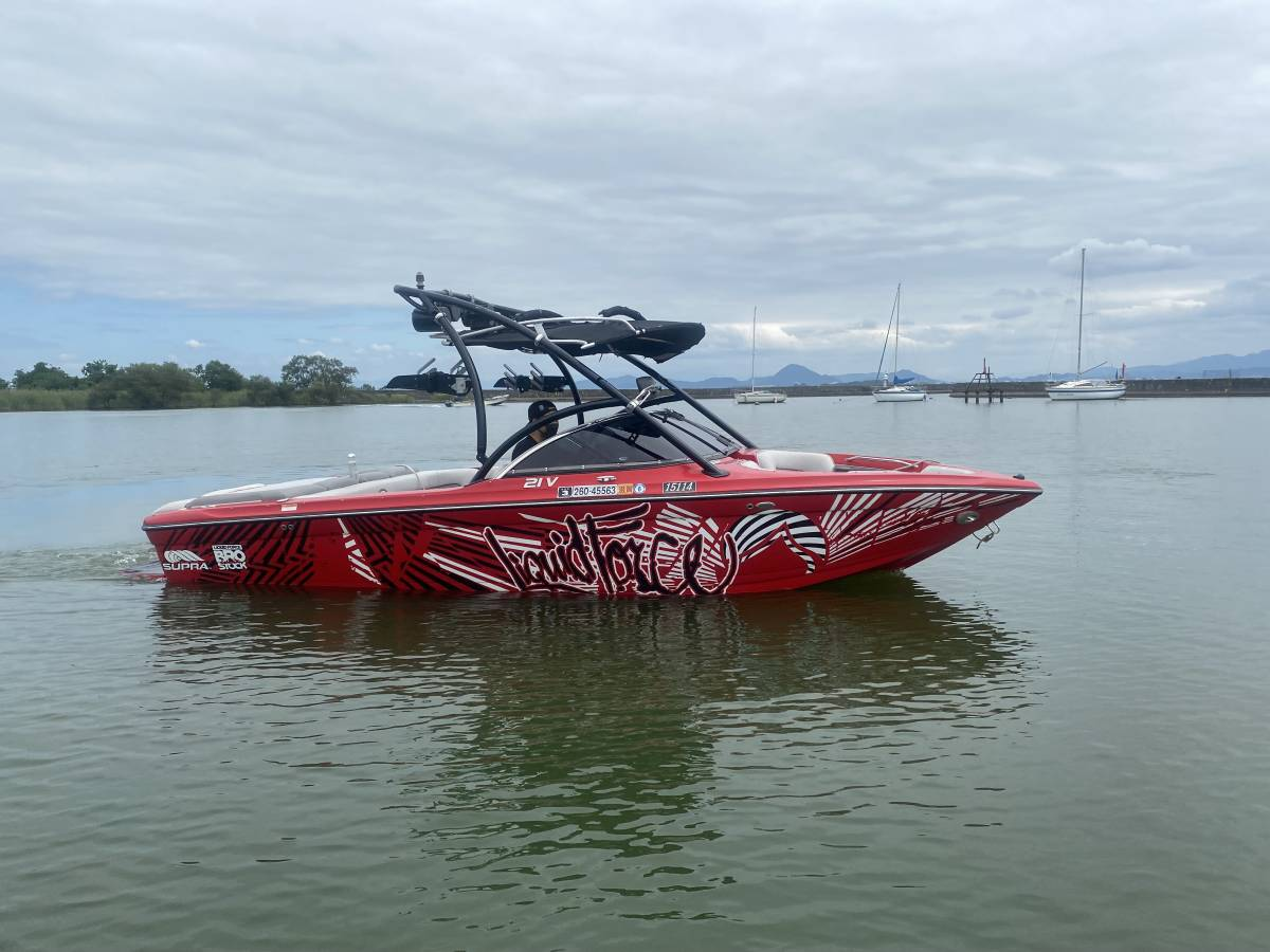 「SUPRA LAUNCH 21V WAKEBOAT 2007」の画像1