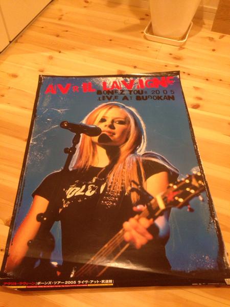 アヴリル・ラヴィーン Avril Lavigne ボーンズ・ツアー ポスター 洋楽