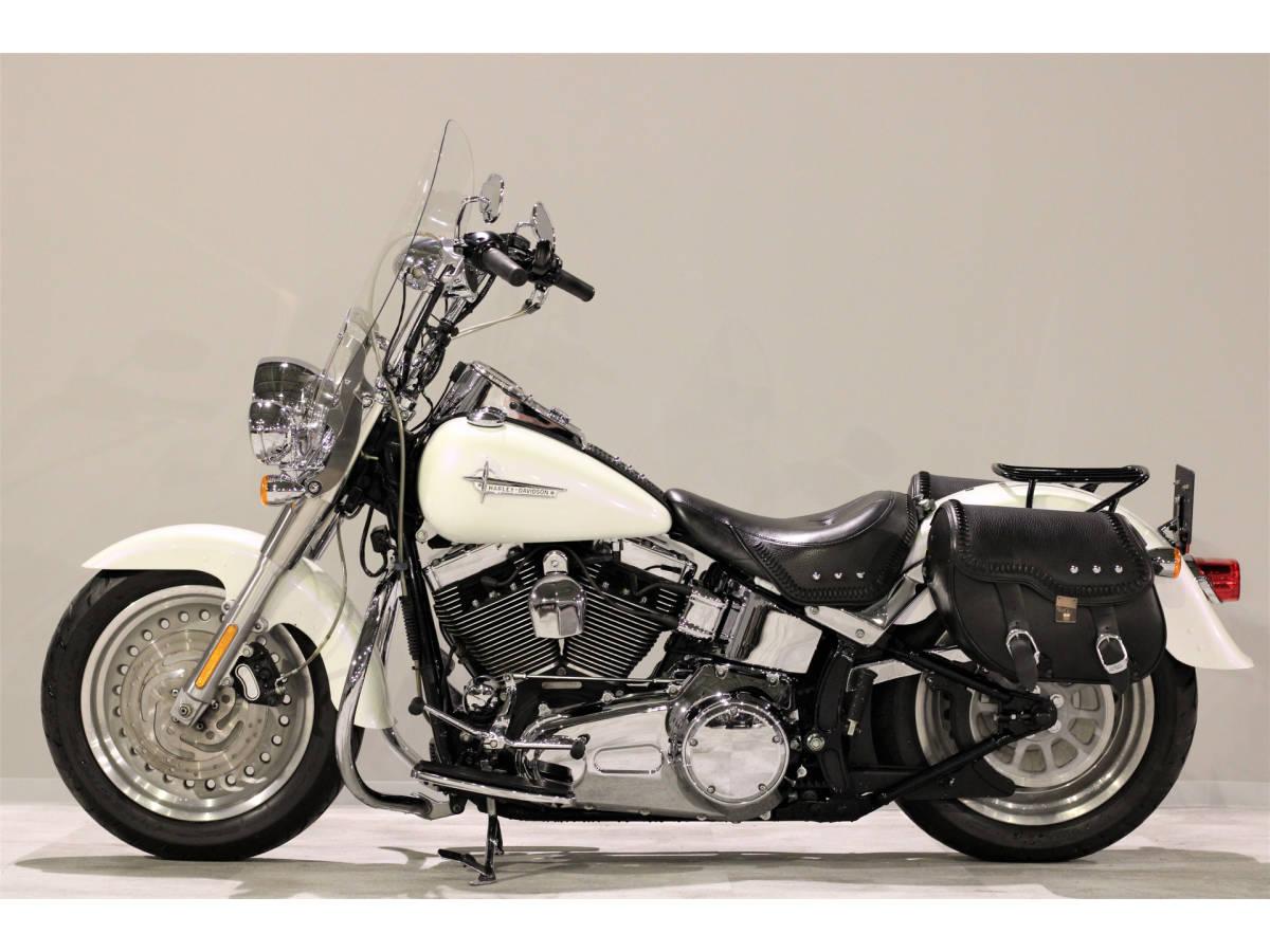 「ハーレーFLSTFファットボーイ 2007y TC96B 1580cc エイプバー エンジンガード Harley純正OPブームオーディオ アンプ&スピーカー」の画像2