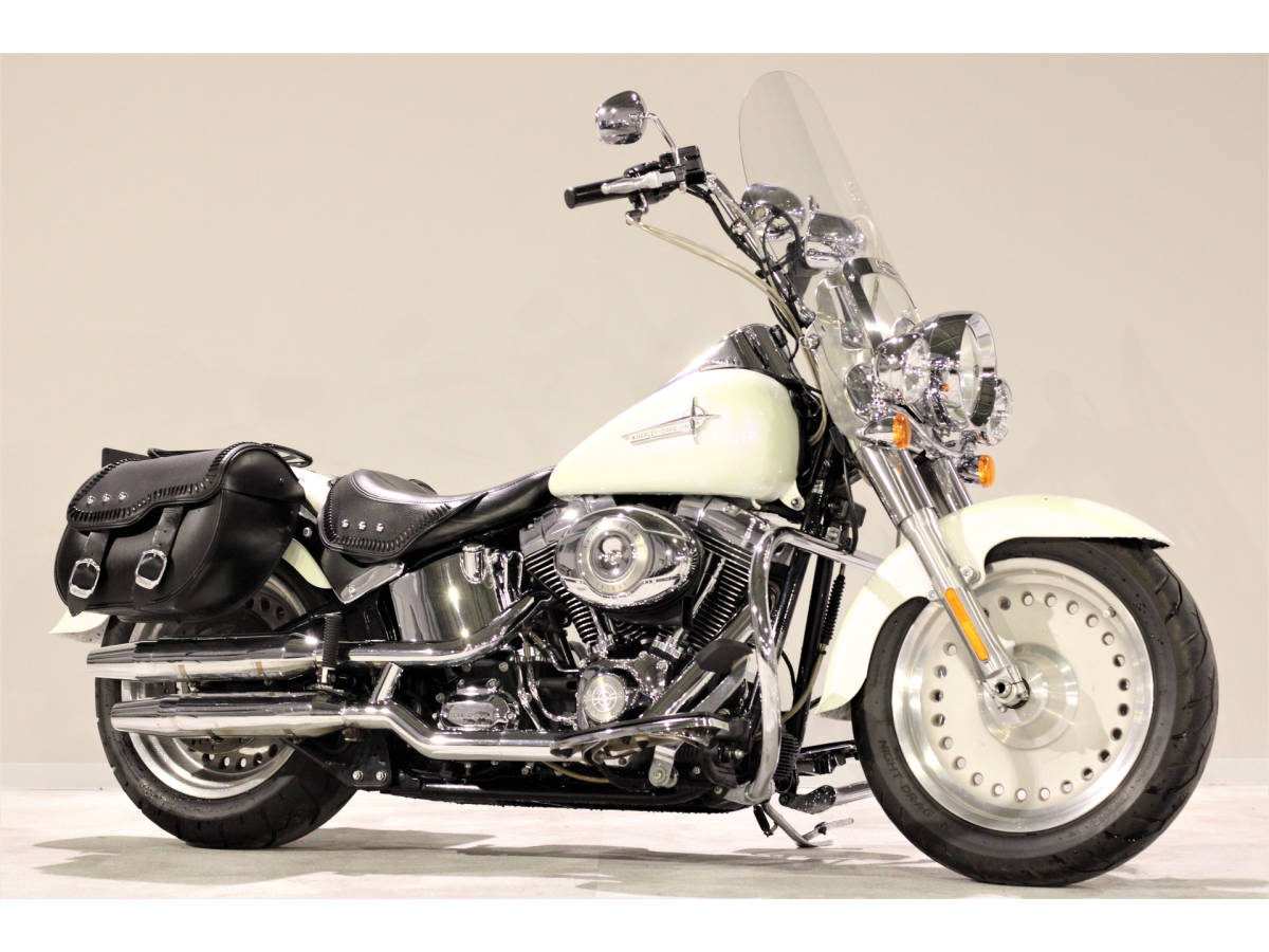 「ハーレーFLSTFファットボーイ 2007y TC96B 1580cc エイプバー エンジンガード Harley純正OPブームオーディオ アンプ&スピーカー」の画像1