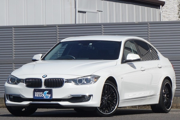 「BMW 320d ラグジュアリー 禁煙内外美車/機関良好/不具合&修復歴無し/車検R4年9月【黒革/ナビ/地デジTV/HID/ブルートゥース/ETC/Bカメラ】」の画像1