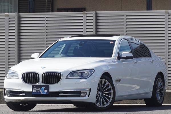 「後期 BMW 750i 禁煙美車/機関良好/修復歴無し/車検R5年10月【サンルーフ/19インチAW/HDDナビ/地デジTV/BT/黒革/360度カメラ/ETC/HUD/LED】」の画像1