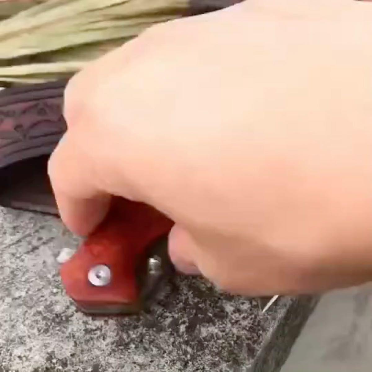 紫檀 レッドサンダルウッドハンドルの折りたたみダマスカスナイフ、極厚レザーケース付き