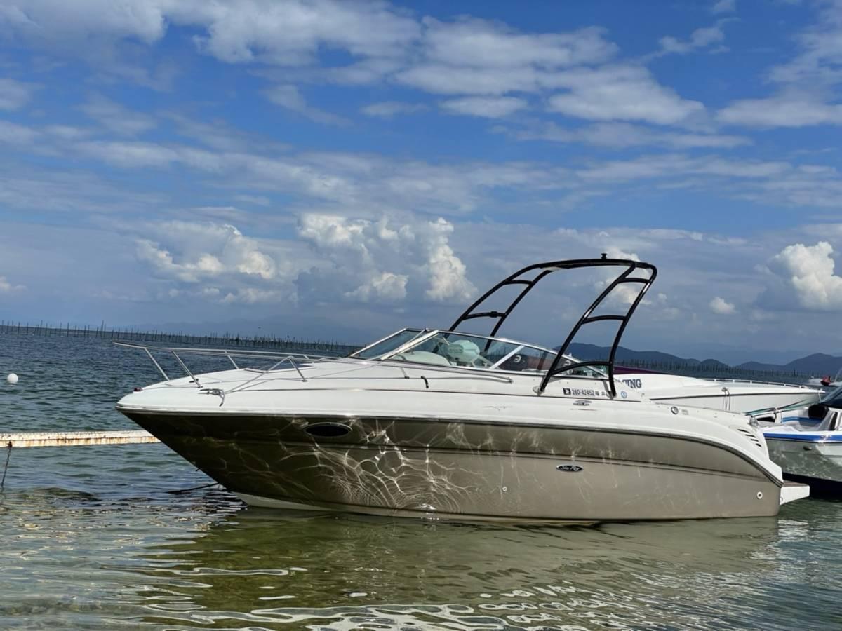 「シーレイ245ウィークエンダー 2005 個人 美艇 琵琶湖艇 内装ほぼ未使用 エンジンハイスペック載せ替え済み Sea Ray 245 Weekender 」の画像3