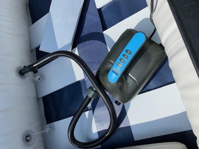 「ゴムボート 釣りボート PVC製 モーターマウント付 リペアキット 収納袋付 2人乗り スラットフロア  船外機3馬力まで対応 」の画像3