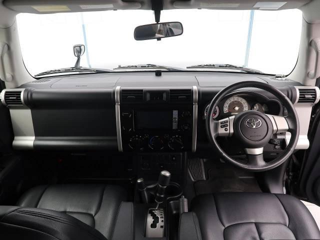 「平成23年 FJクルーザー 4.0 カラーパッケージ 4WD @車選びドットコム」の画像2