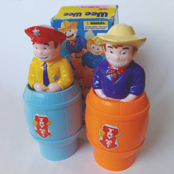 即決 WEEWEE THE FUNNY GUY 水鉄砲 ファニーガイ 2種セット 古い おもちゃ ユニーク ネタ おもしろグッズ 警察官 カウボーイ 送料無料
