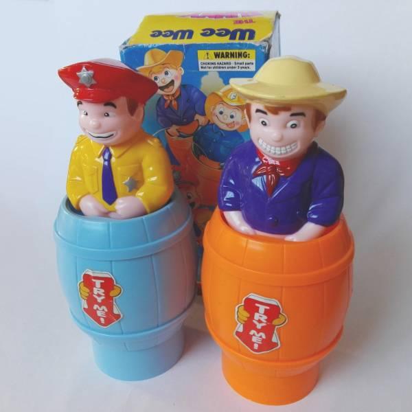 WEEWEE THE FUNNY GUY 水鉄砲 ファニーガイ 2種セット 古い おもちゃ ユニーク ネタ おもしろグッズ 警察官 カウボーイ 送料無料