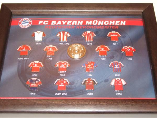 バイエルンミュンヘンFC BAYERN MUNCHEN ピンバッチ17点 グッズの画像