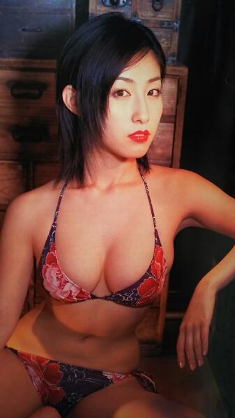 佐藤寛子・くまきりあさ美・藤川京子・河野りこ…【FRIDAY】2004